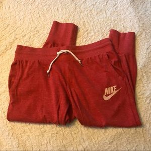 Women's NIKE lightweight joggers cropped size M
